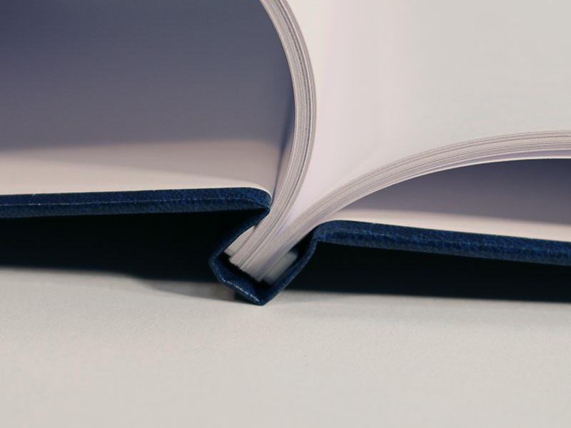 Buchbindung Kunstleder offen